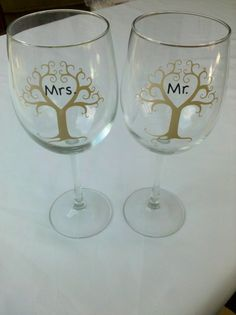 Mr and Mrs heart tree wine glasses