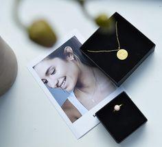 Styling by sofiemwe showing Wild Pendant Gold and Bubble Ring Pink Medium Gold #jewellery #Jewelry #bangles #amulet #dogtag #medallion #choker #charms #Pendant #Earring #EarringBackPeace #EarJacket #EarSticks #Necklace #Earcuff #Bracelet #Minimal #minimalistic #ContemporaryJewellery #zirkonia #Gemstone #JewelleryStone #JewelleryDesign #CreativeJewellery #OxidizedJewellery #gold #silver #rosegold #hoops #armcuff #jewls #jewelleryInspiration #JewelleryInspo #accesories #DanishDesign…