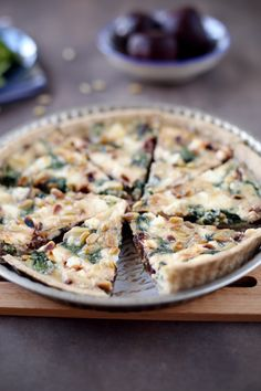 Beet feta spinach and pine nuts quiche chefNini Vegetable Recipes, Meat Recipes, Vegetarian Recipes, Pizza Recipes, Salty Foods, Food Crush, Everyday Food, Savoury Dishes, Foodie Travel