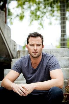 sullivan stapleton 2015 - Google Search
