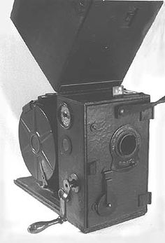 Gallimaufry: cameras and cine cameras from 1896 Projectors