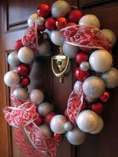 Craft, Interrupted: $8 Dollar Store Ornament Wreath