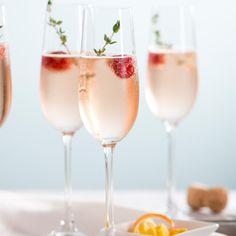 So bereiten Sie einen Hugo Rosé zu Mel Brown, Olive Brine, Prosecco Doc, Rhubarb And Custard, Cherry Liqueur, Peach Puree, Ginger Slice, Cocktails, Drink Recipes
