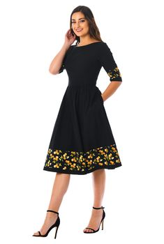 Lemon print at the banded borders highlights the fit-and-flare look of our versatile crisp poplin dress. Casual Summer Dresses, Modest Dresses, Stylish Dresses, Simple Dresses, Fashion Dresses, Smocked Dresses, Work Dresses, Midi Dresses, Beach Dresses