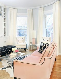 Love everything about this room! Especially the pale pink sofa! Now convince husband of pale pink sofa and I'm in! Design Living Room, My Living Room, Home And Living, Living Room Decor, Living Spaces, Small Living, Cozy Living, Living Area, Design Bedroom