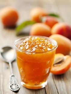 Make the most of apricots and make this apricot jam recipe when they are in season. Sauce Recipes, Pork Recipes, Baking Recipes, Agar, Apricot Jam Recipes, Egg Tart, Baked Brie, Latest Recipe, Food Reviews