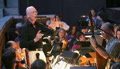 William Christie dirige l'ensemble musical les Arts Florissants