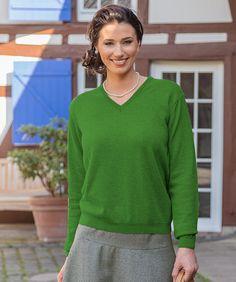 38c5d8e17a79 V-Pullover mit Cashmere Grün, V-Ausschnitt 70 % Merino, 30% Cashmere Feine  Merino-Wolle und edle Cashmere-Garne - streichelzart und unwiderstehlich!