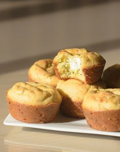 Zucchini and Goat Cheese Muffins | http://smellmykitchen.com/recipes/zucchini-goat-cheese-muffins/
