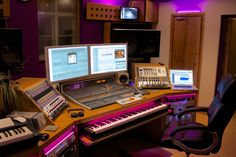 →SB MUSIQUE - Guitares - Espace Sono - Home Studio - Synthés Les plus grandes marques de musique à NICE - spécialiste de la Musique à Nice depuis 30 ans