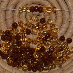 Lot 150 perles de rocaille (Cal.5 / 4,5mm) marron - 3 styles différents
