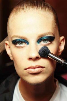 Atelier Versace Fall 2014 Couture Fashion Show Atelier Versace, Makeup Atelier, Organic Makeup, Organic Beauty, Ukraine, Rami Al Ali, Green Eyeliner, Winter 2014 2015, Vegan Beauty