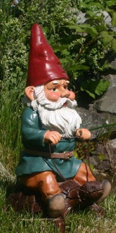 "Garden Gnome Riding Turtle 14"" GardenGnomeWorld.com,http://www.amazon.com/dp/B0051P7XKO/ref=cm_sw_r_pi_dp_i7lZsb03D12RC5X9"