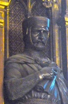 William Marshal, keeping watch over The House of Lords. (efigy at Temple Church)