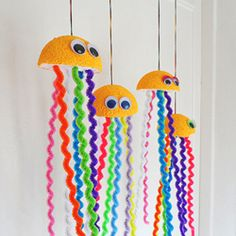 70 Creative sea animal crafts for kids (Ocean creatures) - Craftionary Ocean Crafts, Vbs Crafts, Beach Crafts, Summer Crafts, Arts And Crafts, Jellyfish Crafts, Summer Diy, Summer Beach, Sea Animal Crafts