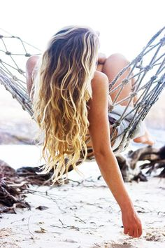 lets my roots grow out into these perfect beach waves
