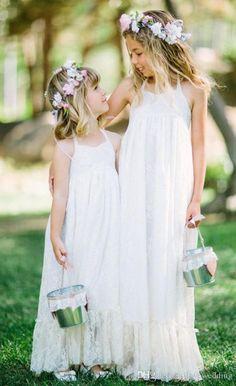 2015 Long Beach Lace Wedding Flower Girl Dresses A-Line Halter Backless White Lace Little Girl Birdal Dress Princess Girl Dresses