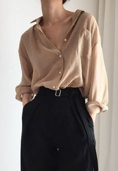 More than 30 minimalist outfit ideas for fall - fashion - Fashion Trends Pullover Rock, Look Fashion, Fashion Beauty, Autumn Fashion, Fashion Mode, Womens Fashion, Fashion Stores, Minimal Fashion Style, Vintage Style Outfits