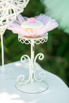 Ballerina Birthday Cupcakes with Pink Tulle Ballerina Birthday Parties, Ballerina Party, Birthday Tutu, 1st Birthday Parties, Girl Birthday, Angelina Ballerina, Birthday Ideas, Birthday Crowns, Happy Birthday