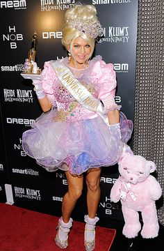 Celebrity Halloween Costumes 2011: Fergie dressed as a Toddlers & Tiaras beauty queen