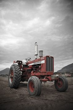 Jason Ross Williams Photography » Tractor on the Farm