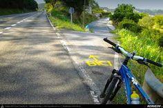 Traseu cu bicicleta MTB XC El Camino de Santiago del Norte - 6: Gijon - Aviles - Salinas - Concha - Soto De Luina . MTB Ride El Camino de Santiago del Norte - 6: Gijon - Aviles - Salinas - Concha - Soto De Luina - Asturia, Spania Bicycle, Country Roads, Mtb Bike, Camino De Santiago, Norte, Bicycle Kick, Bicycles, Bike, Bmx