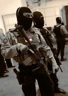 Indonesian anti-terror police commandos from Densus 88 unit