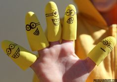 Minion DIY Finger Puppets- awwww, so cute! I bet these would make a great homemade toy for bathtime.
