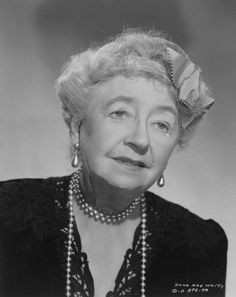 Dame May Whitty - She made her first major Hollywood film appearance, recreating her stage role in the film Night Must Fall which also starred Robert Montgomery and Rosalind Russell, and received a nomination for an Academy Award for Best Sup Old Hollywood Stars, Old Hollywood Movies, Golden Age Of Hollywood, Classic Hollywood, Hollywood Actresses, Old Movie Stars, Classic Movie Stars, Classic Films, British Actresses