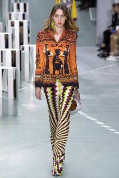 Mary Katrantzou Spring 2017 ready-to-wear collection London Fashion Week Greek Inspired Fashion, Greek Fashion, London Fashion Weeks, Mary Katrantzou, Christopher Kane, Fashion News, Fashion Show, Fashion Design, Runway Fashion
