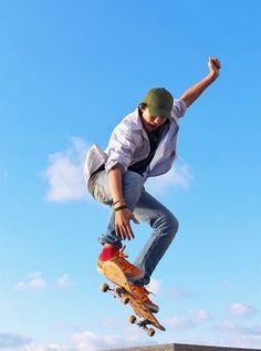 shutterstock_64884985_-_skateboarder.jpg (700×943)