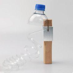 Creative Plastic Bottle Cutter - Arastol Plastic Bottle Cutter, Reuse Plastic Bottles, Plastic Bottle Crafts, Recycled Bottles, Plastic Bottle Tops, Water Bottle Crafts, Plastic Bottle Flowers, Plastic Art, Shrink Plastic