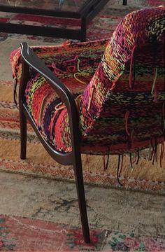 Poltrona vintage anos 60, customizada por REGINA MISK ,estofado de cadarços de algodão tricotados à mão.