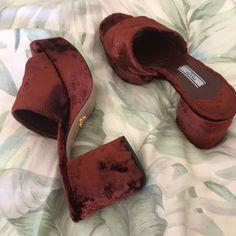 Dr Shoes, Prada Shoes, Sock Shoes, Me Too Shoes, Shoes Heels, Pumps, Pretty Shoes, Cute Shoes, Aesthetic Shoes