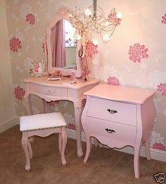 Vintage girls bedroom ideas pink furniture for adults best bedrooms on baby girl room . Vintage Bedroom Furniture, Girls Bedroom Furniture, Bedroom Vintage, Shabby Chic Furniture, Bedroom Drawers, Vintage Room, Bedroom Ideas, Diy Bedroom, White Bedroom