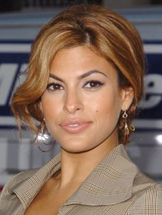 Eva Mendes Hairstyles - July 28, 2005 - DailyMakeover.com