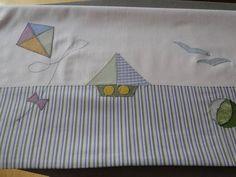 Lençol de berço 3 pçs, 100%algodão 200fios, aplicação de bordados exclusiva, várias cores e motivos.  Pode ser feito conjunto com toalha de banho. R$ 140,00