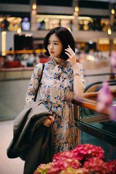 Post with 407 views. Yoon Sun Young, Asian Celebrities, Asia Girl, Seong, Korean Model, Korean Actresses, Royal Fashion, Beautiful Models, Street Style Women