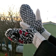 Starri Icelandic mittens knitted with Gryla (7)