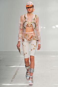 Manish Arora - Spring 2015 Ready-to-Wear - Look 25 of 60