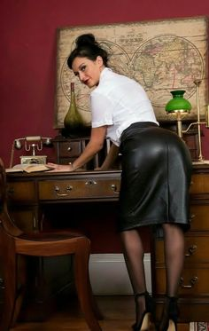 """"""" As a teacher, I've never worn a leather skirt before, but, I thought I would give this nice black leather pencil skirt a try. Secretary Outfits, Black Leather Pencil Skirt, Black Leather Dresses, Leder Outfits, Sexy Legs And Heels, Classic Skirts, Dominatrix, Leather Fashion, Sexy Women"""