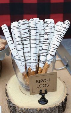 Bigfoot Birthday Party Food Ideas - Birch Logs These Lumberjack birthday party food ideas are the perfect addition to any lumberjack themed party. These are perfect for the dessert table at any birthday party or baby shower featuring the lumberjack theme. Bigfoot Birthday, Boy First Birthday, 1st Boy Birthday, Boy Birthday Parties, Birthday Ideas, Birthday Party Foods, Birthday Banners, Birthday Invitations, Bigfoot Party