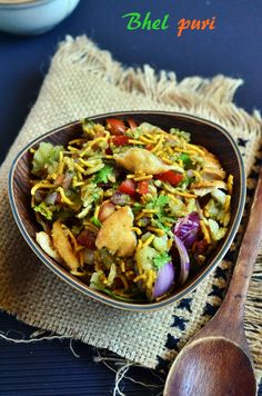 Snack ideas: Bhel puri with homemade papdi! Recipe @ http://cookclickndevour.com/bhel-puri-recipe #cookclickndevour #streetfood #snack #recipeoftheday