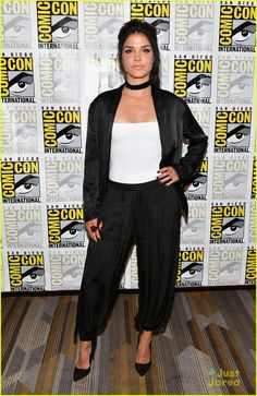 Marie Avgeropoulos at the Comic-Con 2017