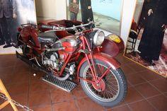 Peppone`s Motorrad mit Beiwagen