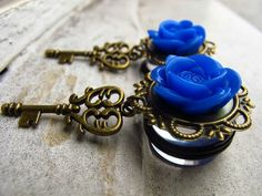 Blue rose and key pendant gauges