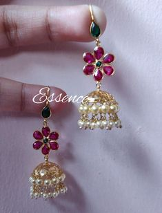Jewelry Design Earrings, Gold Earrings Designs, Cuff Jewelry, Traditional Earrings, Gold Jewelry Simple, Ear Rings, Mango, Blouse, Earrings