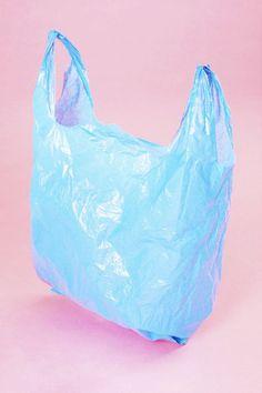 Em casa, sempre acumulava milhares de sacos plásticos, até que vi a ideia desta mulher.