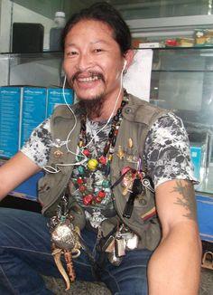 Amuletthändler in Chinatown.  by www.green-tara.de
