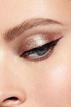 #EyeMakeupGlitter Eye Makeup Glitter, Blue Eye Makeup, Makeup For Brown Eyes, Glitter Lips, Copper Eye Makeup, Gold Makeup Looks, Gold Eyeliner, Rose Gold Makeup, Bridesmaid Makeup